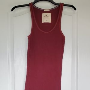 Maroon ribbed tank top